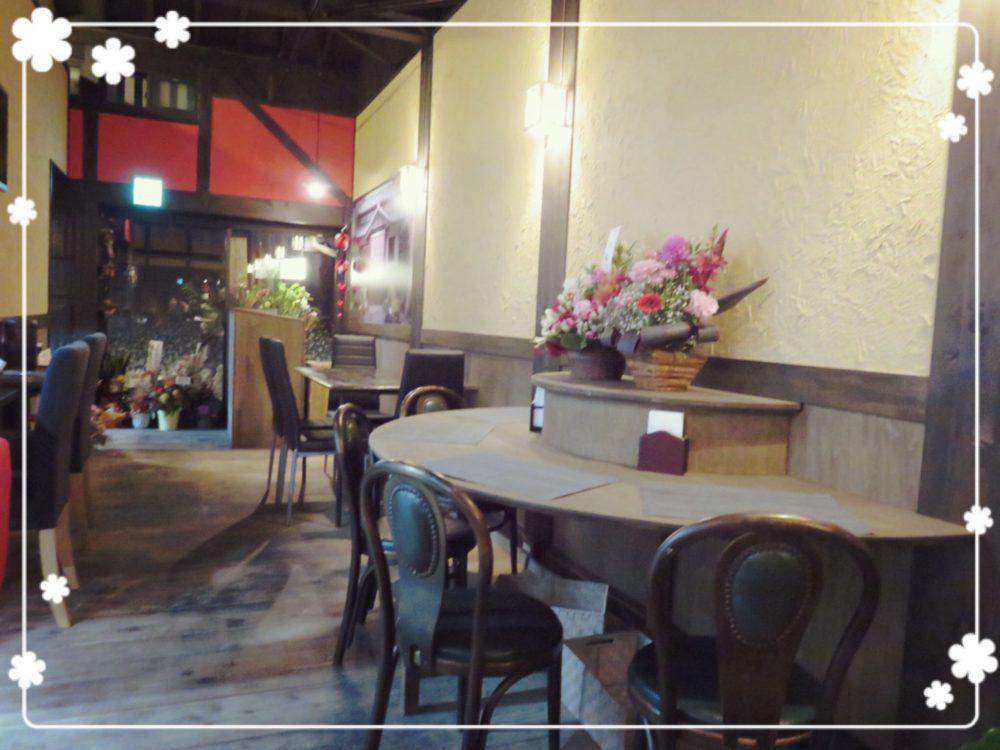 カフェ春内観2