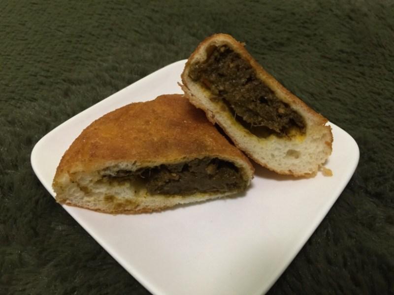 奈良で食べ歩き 若草カレーのカレーパン