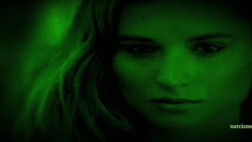 vrouw night vision voor narcisme.blog