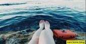 benen en boekentas in water narcistische moeder kennmerken