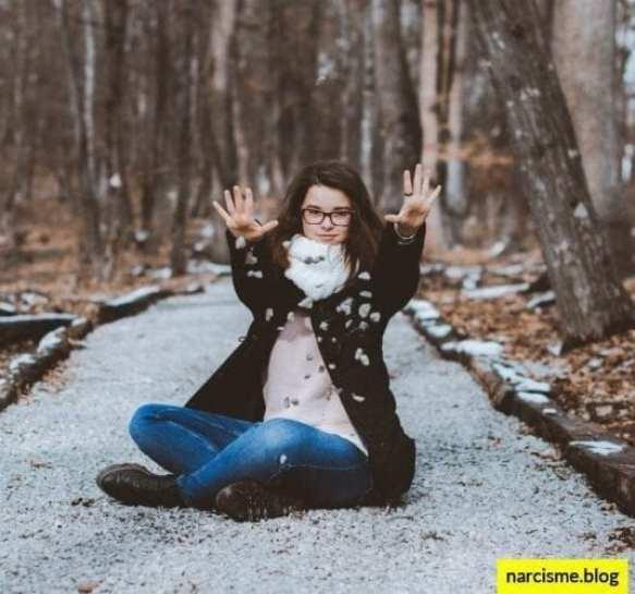 cover foto voor narcisme.blog trauma in de kindertijd, de narcist je met rust laat
