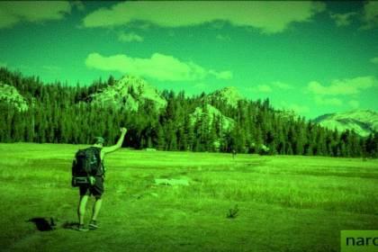 wandelaar in de bergen voor narcisme.blog
