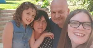 Annemie Declercq voor narcisme.blog met gezin