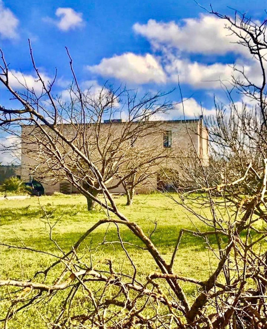 Esterno Giardino Masseria Salento San Sebastiano