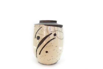 Vaza črno bela