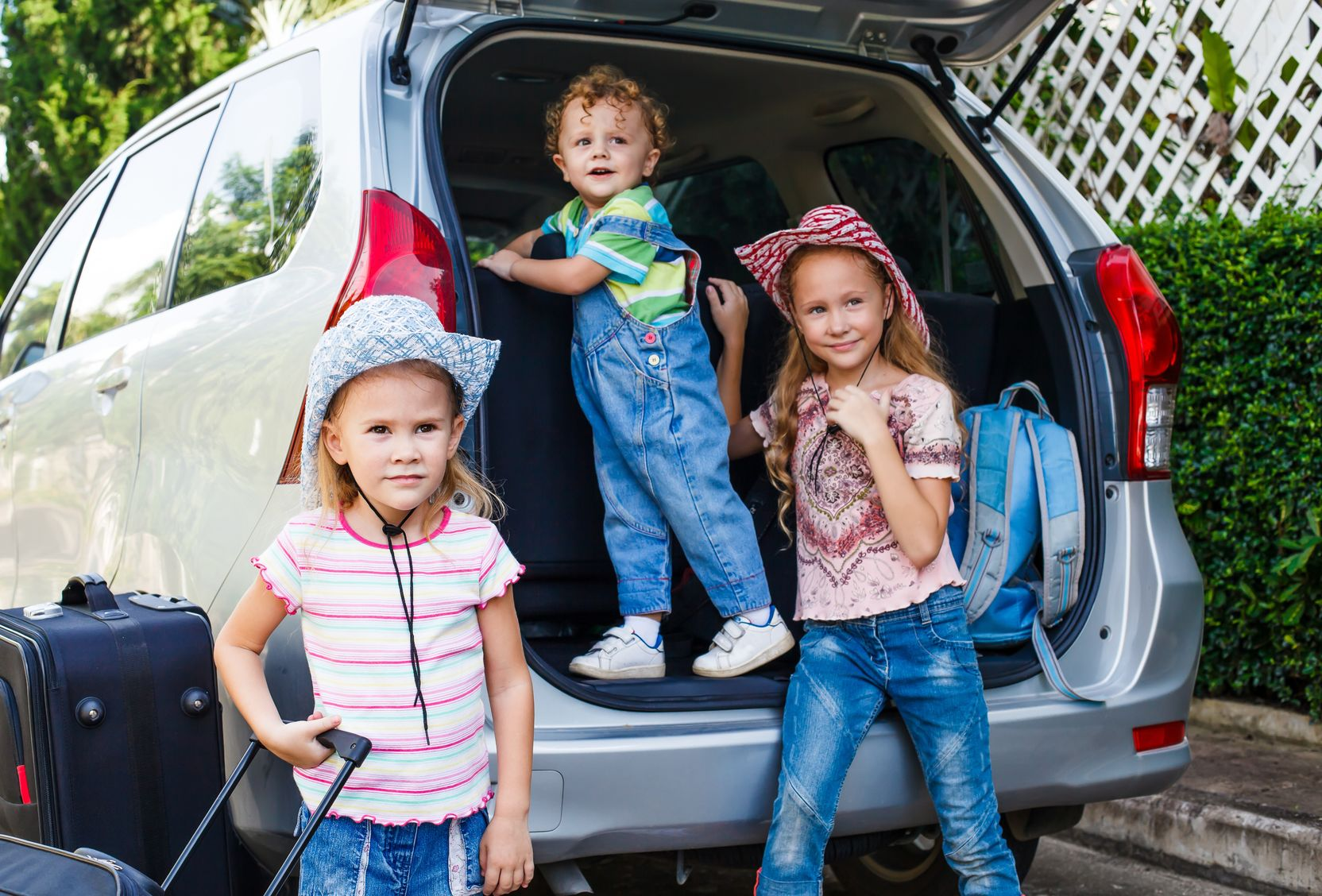 3 Tips To Keep Young Kids Happy On Your Family Road Trip