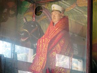 三船太郎将軍神像