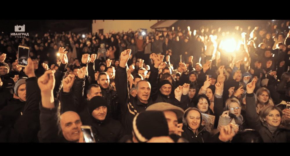 Muslimani stali uz narod u odbranu srpskih svetinja u Beranama (VIDEO) 1