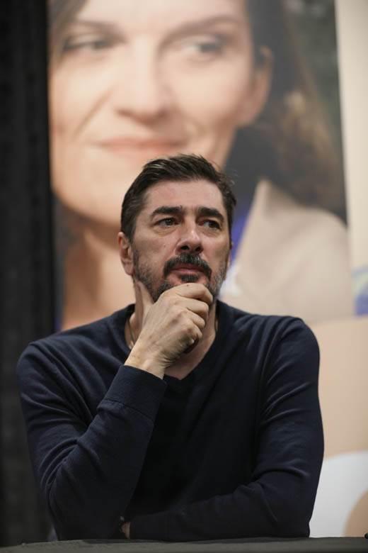 Glumac Vojin Ćetković se srušio na premijeri filma, hitno prevezen na VMA! 1