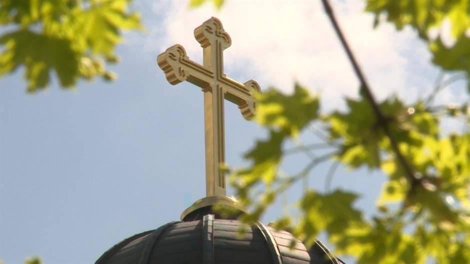 SPC: Pričešće iz jedne čaše nije kršenje mera države, to je stvar crkve 1