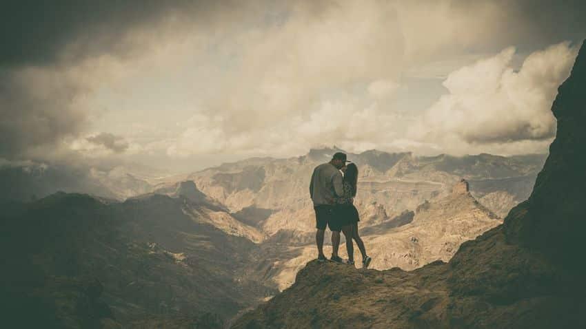 OVO IM NIJE TREBALO: Ruskinja sa ljubavnikom pobegla od korone u planinu (VIDEO) 1