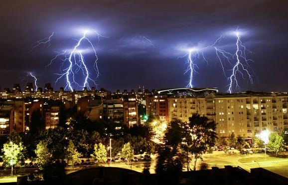 SRBIJA: Prešao olujni front, kao ogromna eksplozija 2