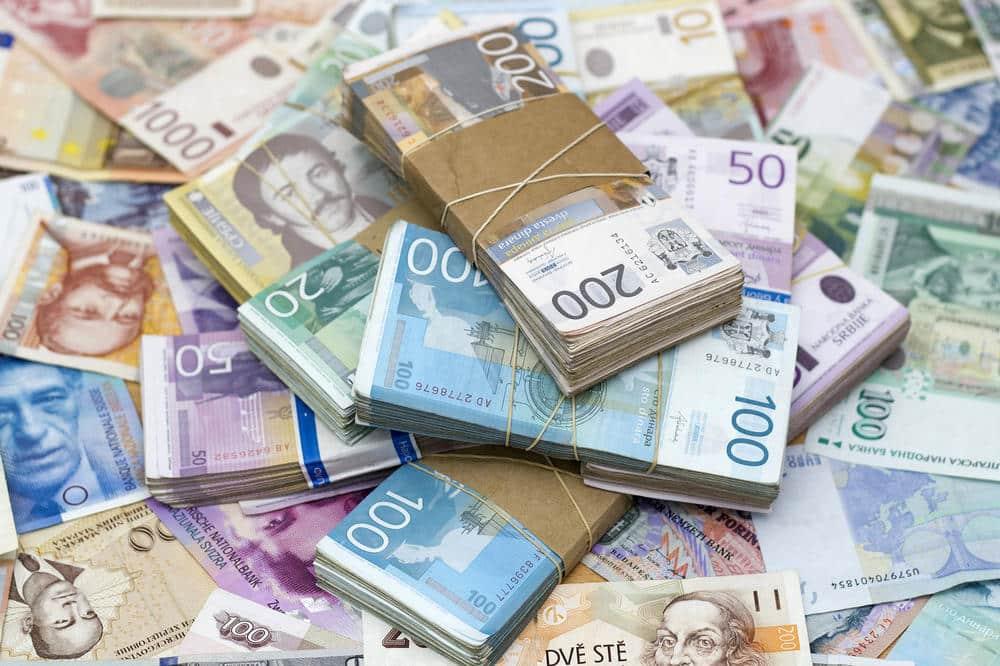 KASA SE PRAZNI: Dijaspora smanjila slanje novca u Srbiju 1