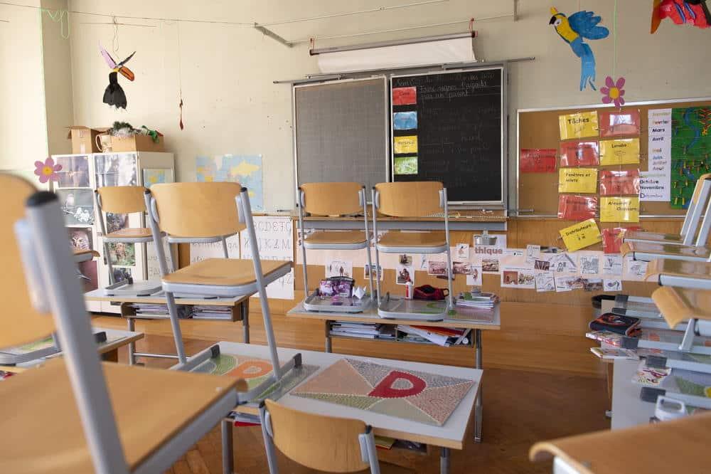 Protiv 300 direktora škola krivična prijava jer su terali decu i nastavnike da nose maske! 1