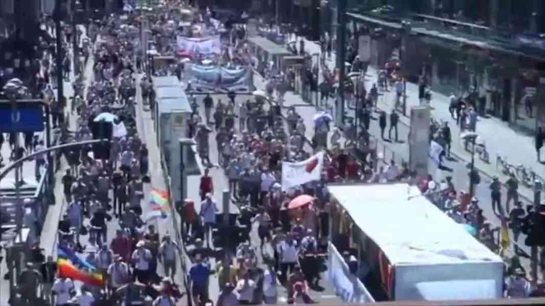 """DEMONTIRANI GLOBALISTI: Pogledajte """"17.000"""" na protestu u Berlinu 1"""
