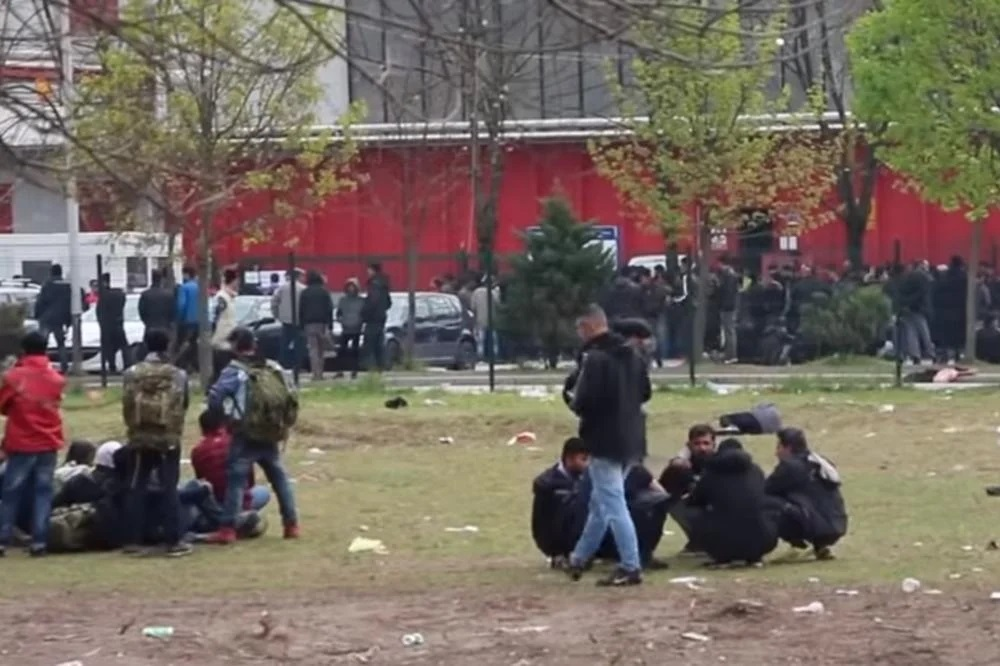 MRŽNJA ESKALIRA: Migranti pretukli devojku u Beogradu, zbrinuta na VMA! 1