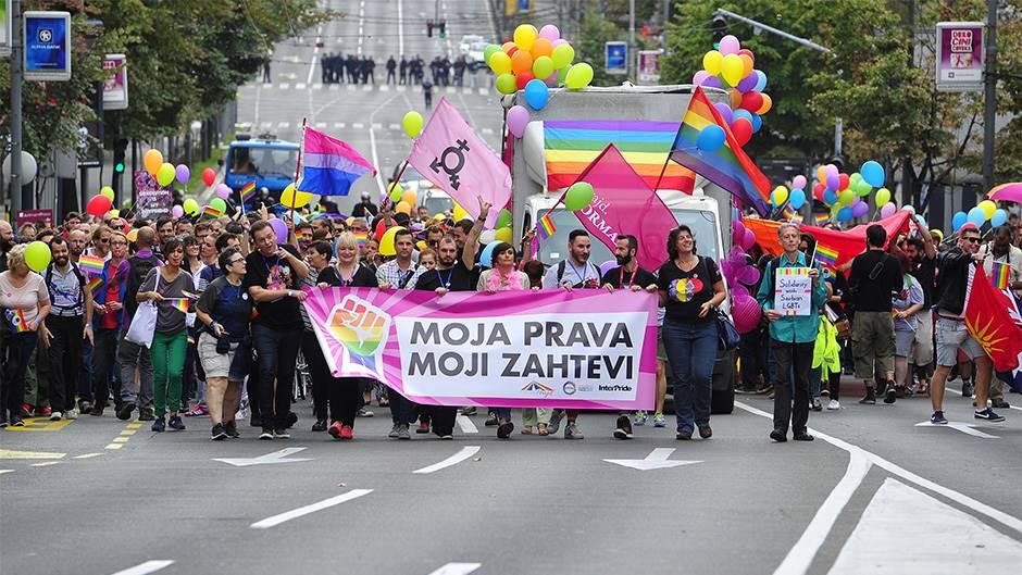 UDAVIĆE SRBIJU U RECI IZDAJE: Uvode pederski zakon, hoće da priznaju lažnu državu Kosovo! 1