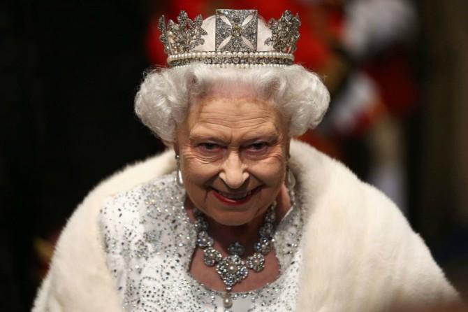 BAKINGEMSKA PALATA: Odbija da kaže da li će se kraljica vakcinisati: TO JE PRIVATNO! 1
