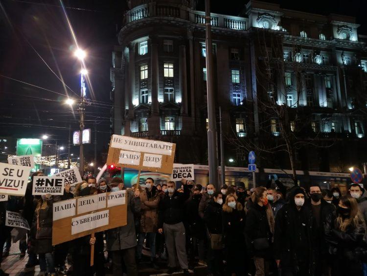 SRPSKI RADNIK SE DIGAO: Opljačkani smo, državu nije briga za nas! 3