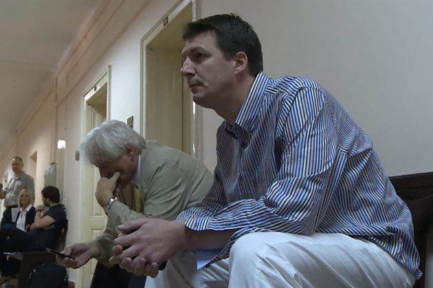 IZA SUROVOG PREBIJANJA MLADIĆA STOJI ANDREJ VUČIĆ: Zbog novca napravio momka invalidom! 3