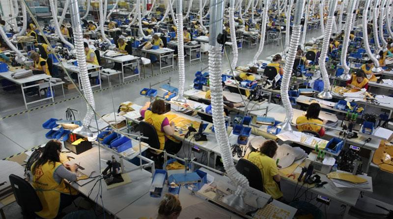 MEDIJI KRIJU, POSTALI SMO ROBOVI: Radnici u Srbiji padaju u nesvest jer nema vode i klime u fabrici! 1
