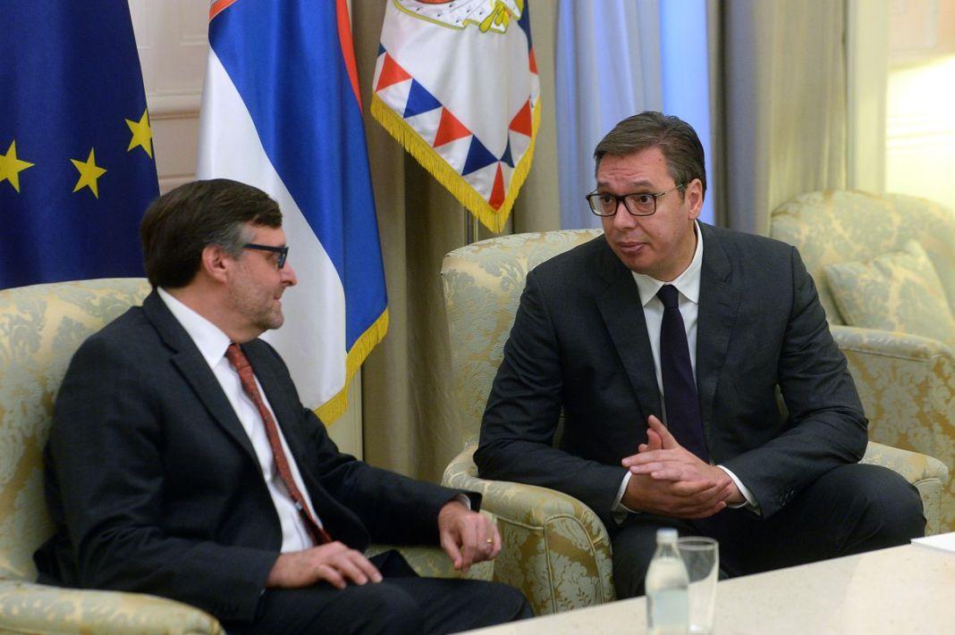 ŽELE DA SPALE SRBIJU: Metju Palmer i psihopata Vučić imaju novi dogovor, OPLJAČKATI NAJSIROMAŠNIJI NAROD U EVROPI! 1