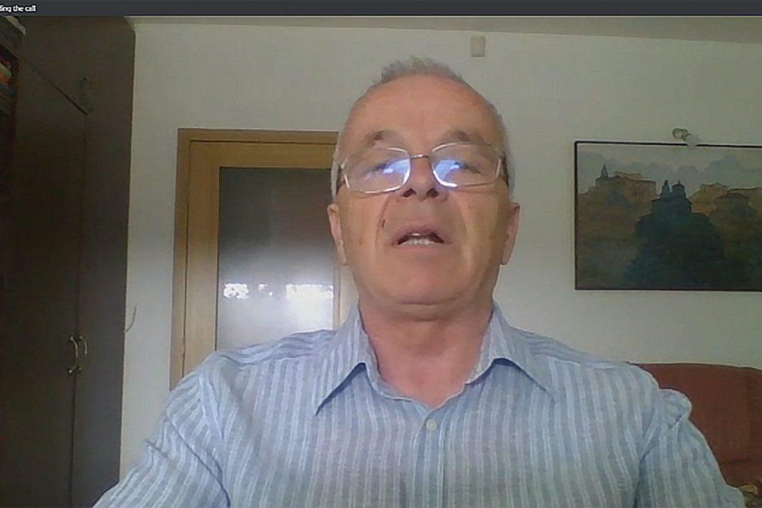 PENZIONER DIGAO GLAS: Vučiću deliš naše pare pred izbore, a pre toga si nas pokrao! 1