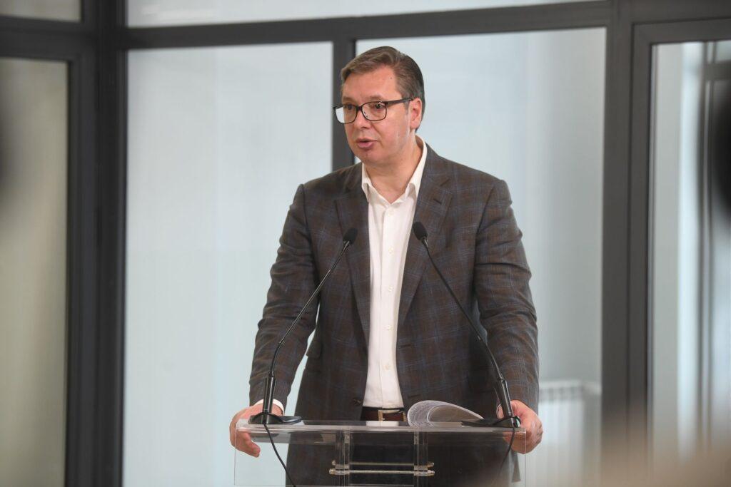 IZDAJA MU JE U KRVI: Vučić nabavlja autobuse od firme koja naoružava vojsku tzv. Kosova! 1