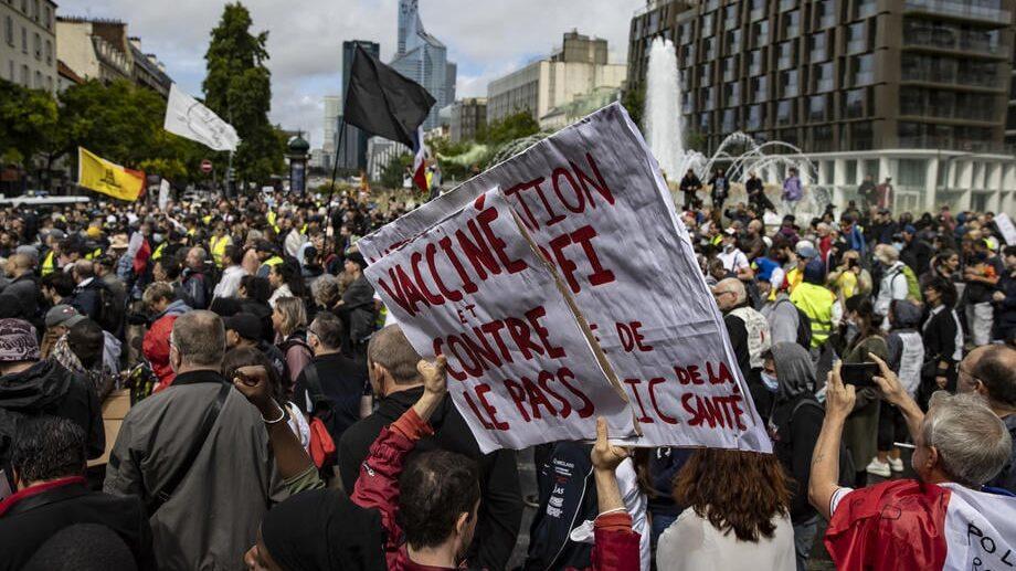 140 000 LJUDI NA ULICAMA FRANCUSKE: Dosta je bilo diktature! 1