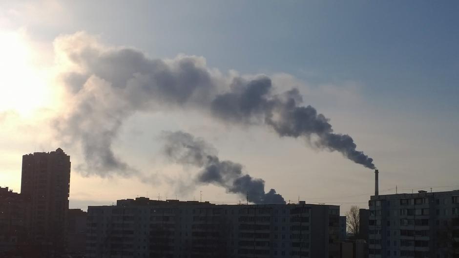 VUČIĆ REŠIO DA POBIJE SVU DECU I LJUDE PO SRBIJI: Naše termoelektrane emitovale više sumpor-dioksida nego cela EU! 1