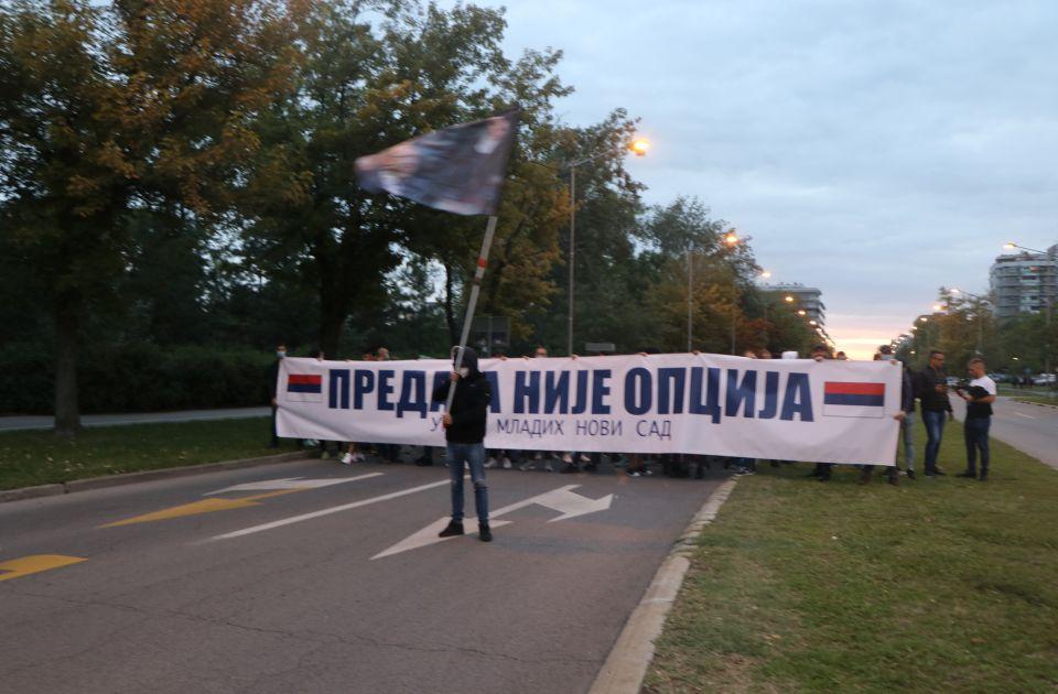 VUČIĆ JUGEND: Upišani diktator poslao decu da marširaju ulicama Novog Sada! 5