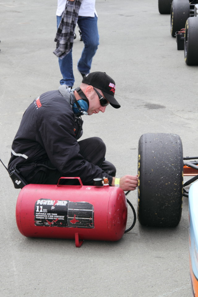 A portable air tank allows for last-minute pressure adjustments, even on grid.