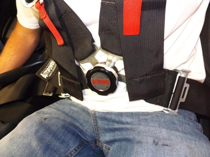 Without a submarine belt, it is easy for the lap belt to move upward when the shoulder harnesses are tightened. This is a big problem because a belt in this position can cause serious injuries to the driver in a frontal collision. Anyone who has installed a harness system without using a submarine belt is at risk for making this mistake.