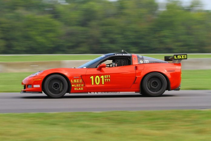 Larry Bailey fell behind early in the race, but fought back to take second in Super Touring 1.
