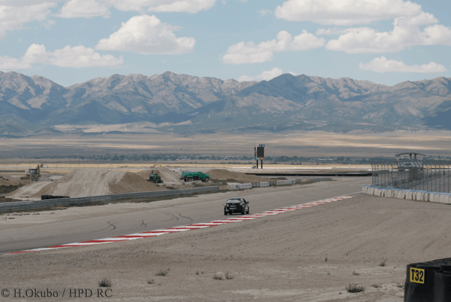 Sixteen cars entered in an enduro on a 3-mile-long course means lots of racing room.