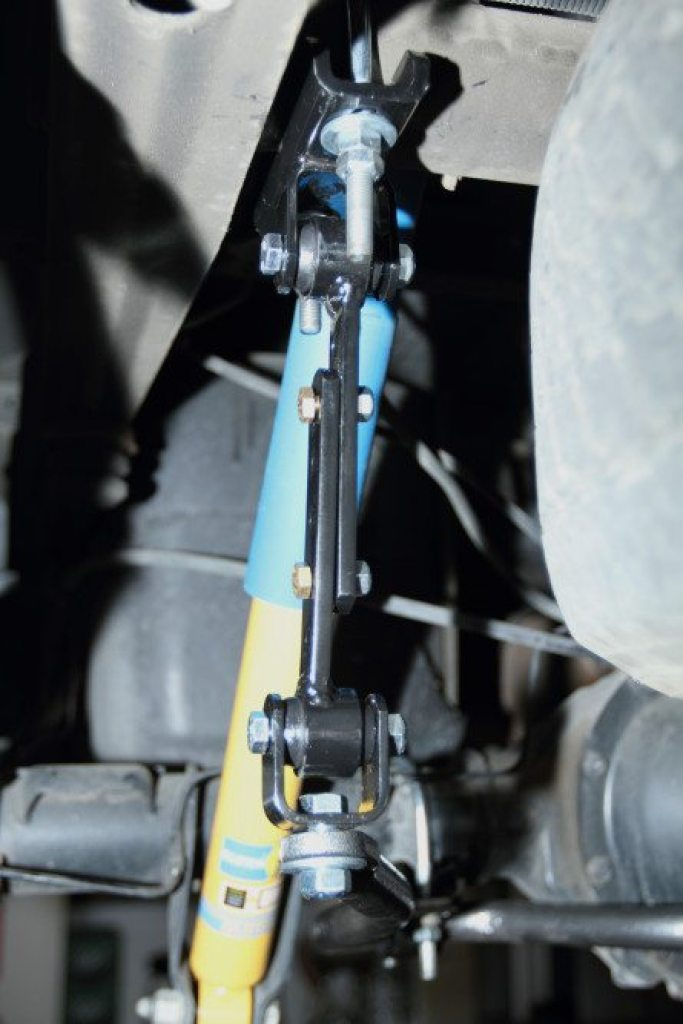 Here's a look at how everything fits together, from the sway bar attachment point to where it connects to the frame. Everything is still hand tight in this picture to ensure proper fitment before torqueing all the nuts and bolts.