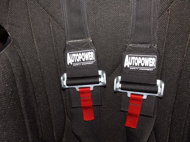 Autopower makes shoulder harnesses that narrow for good fitment over HANS head and neck protection. We really like the design, and the belts stay in place as they should, which gives you confidence behind the wheel.