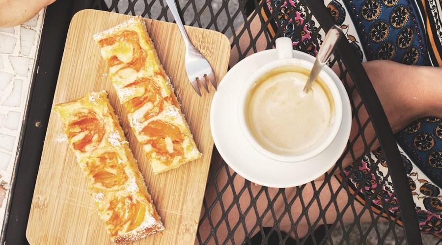 Retro = Unwiderstehlicher Marillenkuchen – Blechkuchen!
