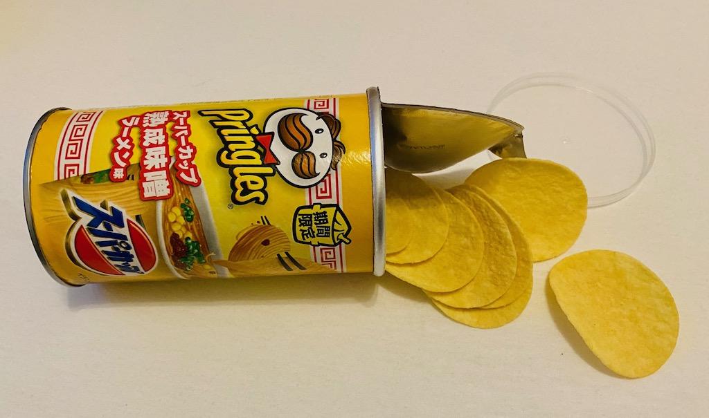 Asiatische Pringles mit dem Geschmack von ACECOOK Ramen-Nudelsuppe