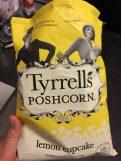 Poshcorn, nicht Popcorn, von Tyrrells, Geschmacksrichtung Lemon Cupcake.