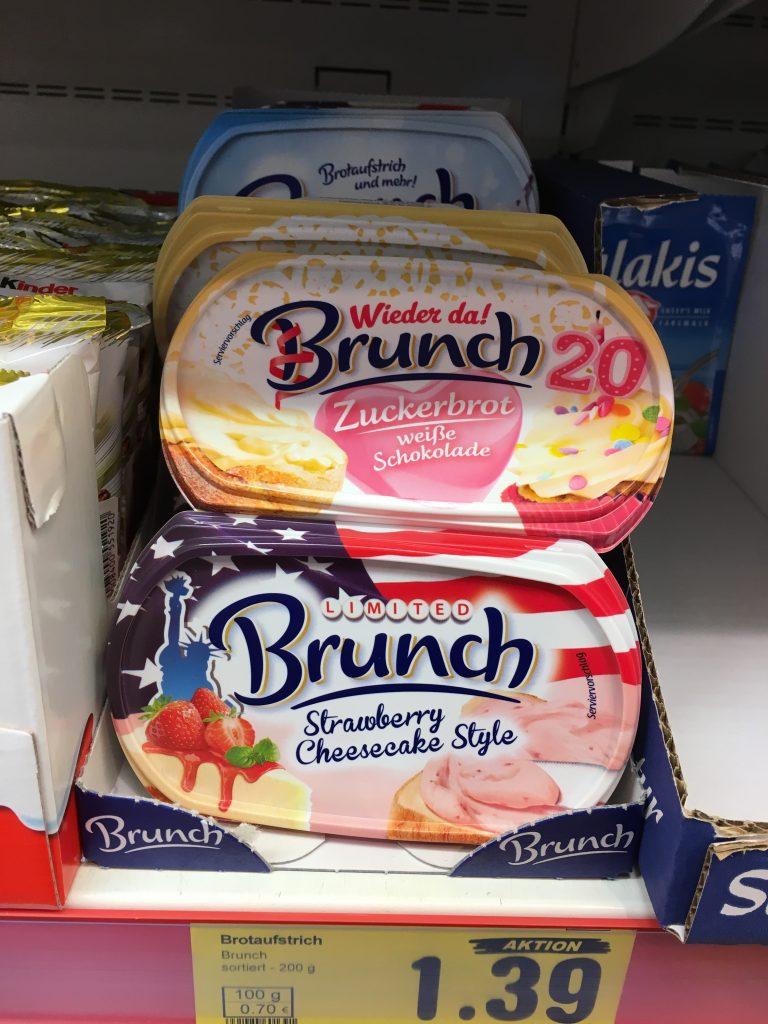 Junk FoodBrunch Süße Aufstriche Zuckerbrot weiße Schokolade und Strawberry Cheesecake Style