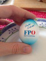 Ein hartgekochtes Frühstücksei als Werbegeschenk der österreichischen FPÖ.
