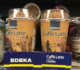 Gekühlter Kaffee von EDEKA mit Keks
