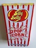 Jelly Belly hat einen Klassiker in eine attraktive neue Hülle gesteckt: Die erste und erfolgreichste salzige Bohne mit Popcorngeschmack gibt es jetzt in einer Retro-Verpackung, die einer klassischen, rot-weißen Popocorntüte nachempfunden ist.