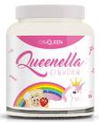 Queenella ist ein Schweizer Eiweißaufstrich mit gefriergetrockneten Erdbeerstückchen.