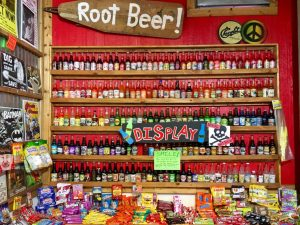 Rocket Fizz Portland Innen: Root Beer und Soda Pops.