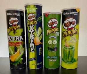 4 Mal Gurkengeschmack bei Pringles: Xtra Screamin' Dill Pickle, Xtreme Cornichon, Pickle Rick und Screamin Dill Pickle.