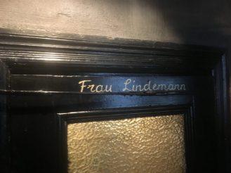 Bar Herr Lindemann Detail