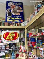 Im Inneren: Schöne alte Schilder und Jelly Belly Bohnen!