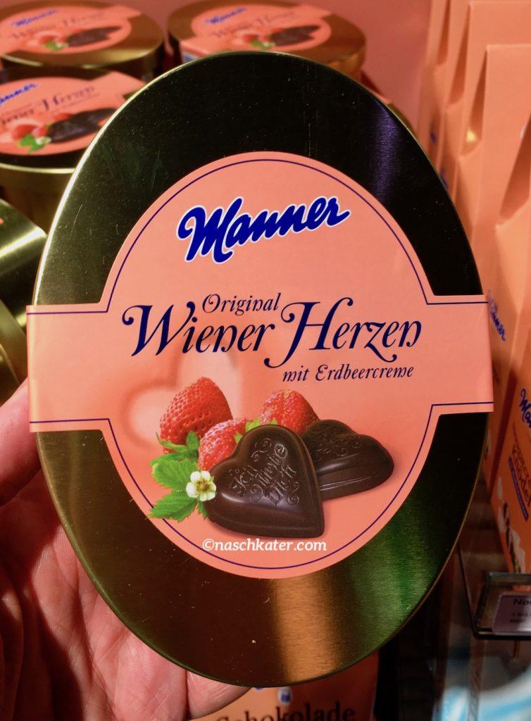 Manner Wiener Herzen mit Erdbeeren